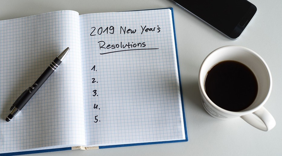 Notepag with New year resolutions