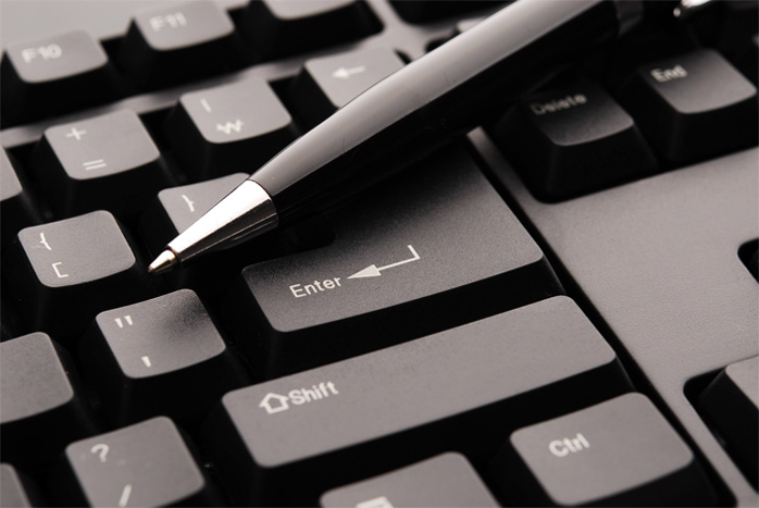 Image of a keyboard and pen